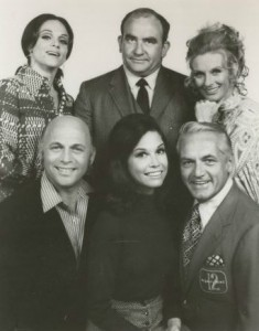 Mary_Tyler_Moore_cast_1970